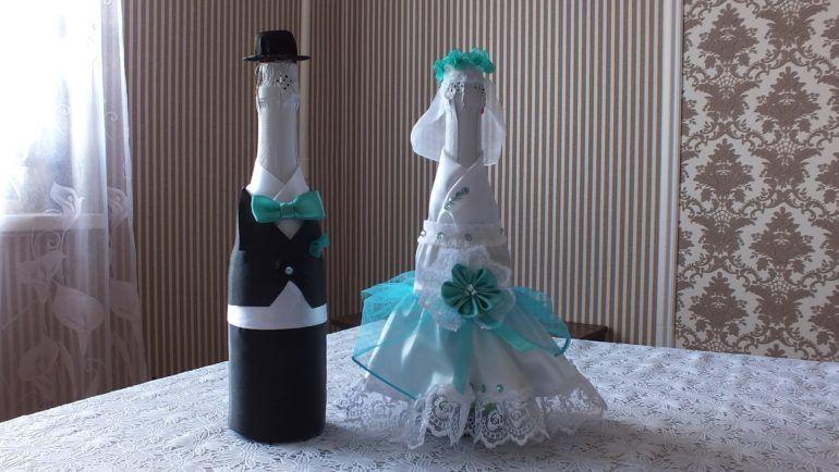 foto-0-11-e1511880256292 Как украсить свадебное шампанское своими руками лентами: мастер класс, идеи, фото