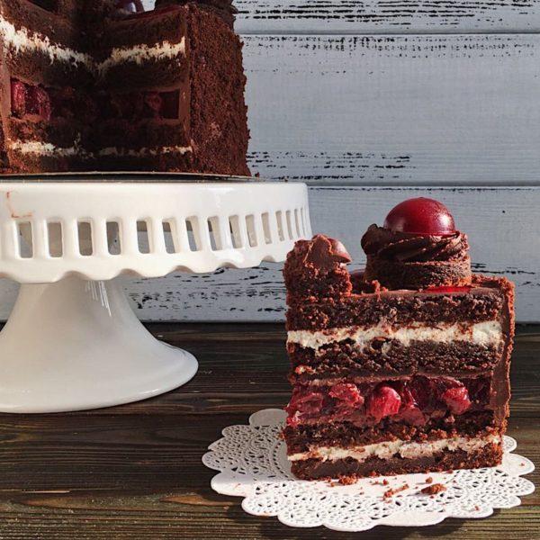 сливки в начинке свадебного торта