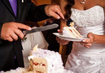 Расчет веса торта на свадьбу - сколько нужно грамм на человека?