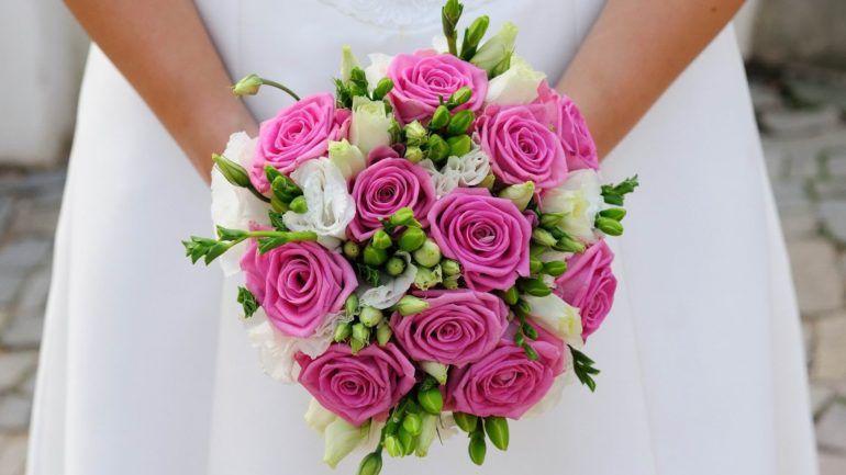 Букет на свадьбу летом  советы и красивые идеи для невесты