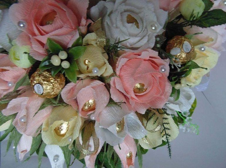 foto-0-104-e1518538994913 Свадебный букет из конфет своими руками: подробный мастер-класс!