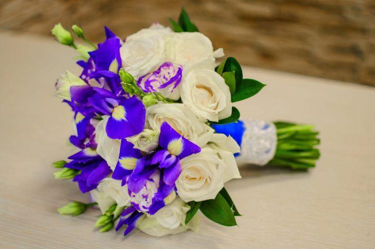 foto-0-106-e1518545850205 Свадебный букет своими руками. Как сделать букет невесты из атласных лент? Свадебный букет из роз, пионов, тюльпанов