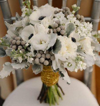 Свадебные букеты из ландышей, гипсофилов, подсолнухов, брунии