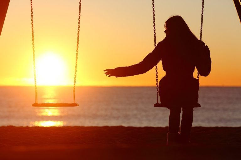 Как жить после смерти мужа: советы психолога
