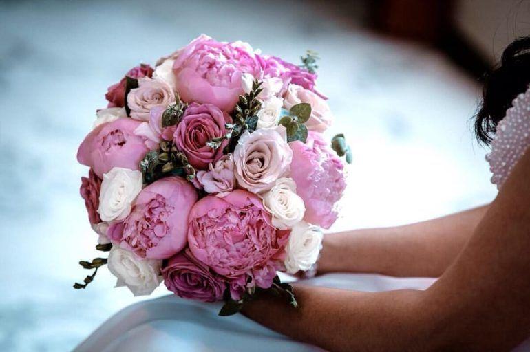 Свадебный букет из пионов для невесты