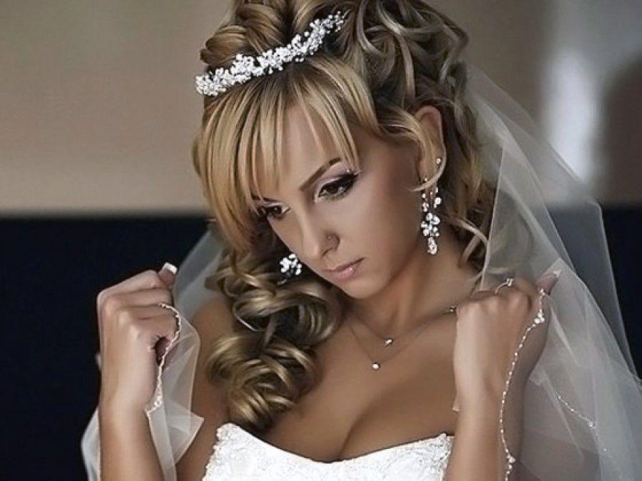 Прически на средние волосы с челкой свадебные